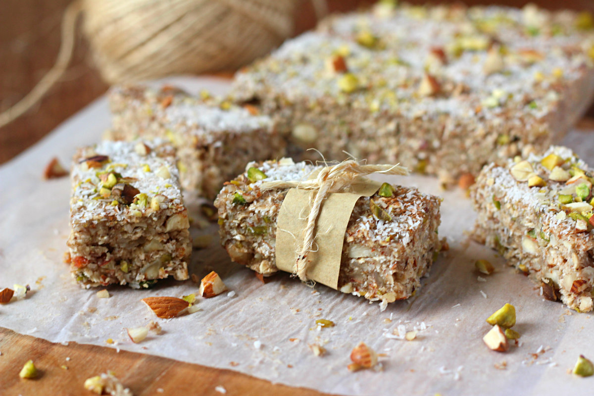 Nutty banana oat bars