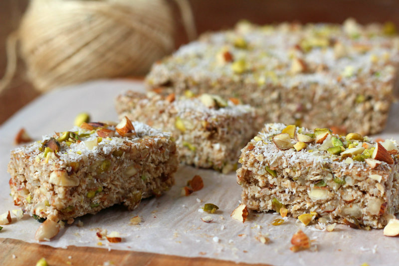 Nutty banana oat bars - to her core