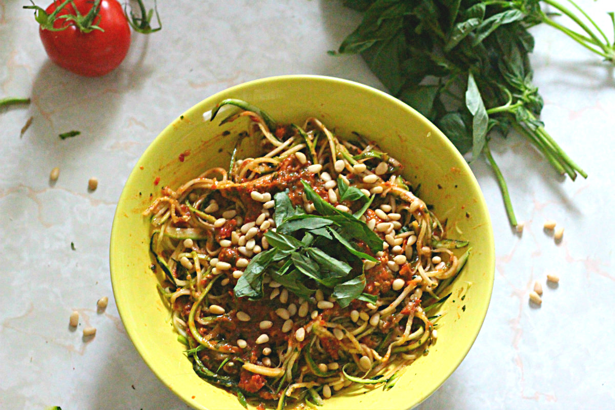 Zucchini pasta with two-tomato pesto
