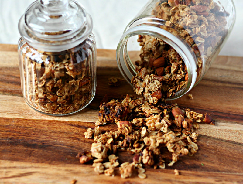 Gingerbread granola || to her core
