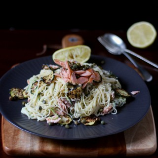 Smoked salmon, zucchini and horseradish pasta