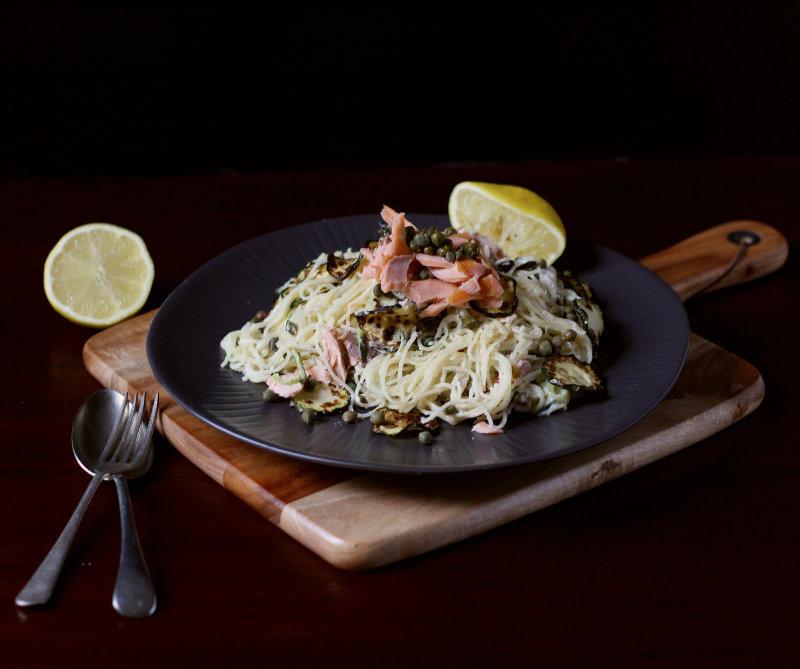 smoked salmon pasta with horseradish sauce - tohercore