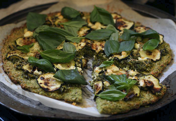 green pesto pizza - to her core 4