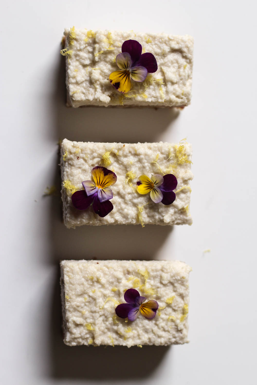 Lemon love bars (raw + vegan)