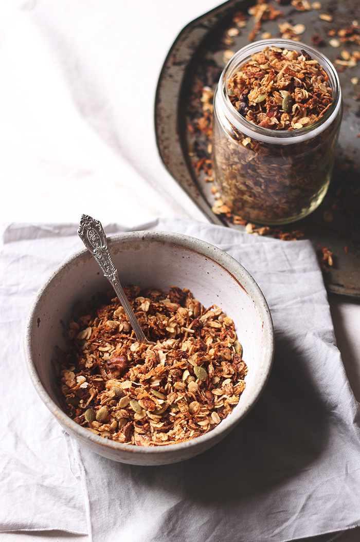 Baked carrot cake granola - to her core