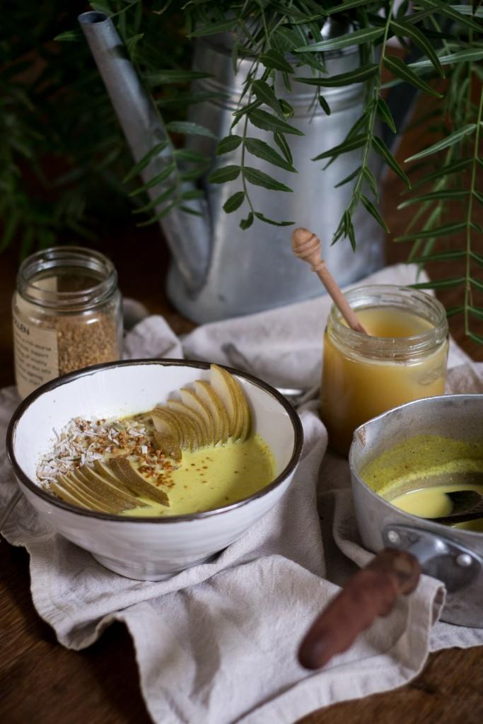 Golden milk porridge - to her core 5