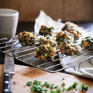 Baked mushroom + broccoli pakoras - to her core