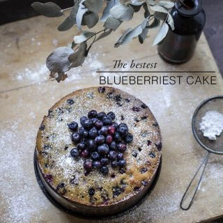 Blueberries cake - to her core